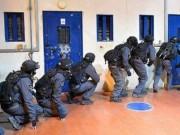 توتر في سجن ريمون وقوات القمع تقتحم قسم (4)
