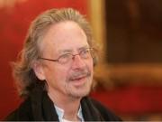 """اتحاد الكتاب العرب: عار على """"نوبل"""" منح جائزة الآداب للمتطرف هاندكة"""