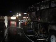 بالصور|| مصرع 30 معتمرًا بحادث مروع في السعودية