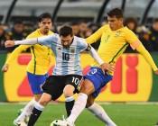 قائد البرازيل يشن هجوما لاذعا على ميسي