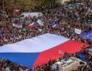 عشرات آلاف المتظاهرين يطالبون برحيل رئيس حكومة التشيك