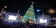 بيت جالا تحتفل بإضاءة شجرة عيد الميلاد