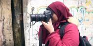 """المصورة """"أبو العوف"""" تفوز بالمركز الثالث في مشروع """"العيش في الظلام"""