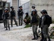 قوات الاحتلال تقتحم عدة بلدات في الخليل وتنصب حواجز عسكرية