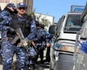 بسبب مخالفة الاغلاق.. الشرطة الفلسطينية تفض زفة عريس في مخيم طولكرم