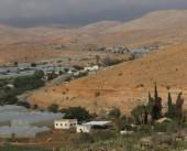 جانب من فعالية زراعة الأراضي المهددة بالمصادرة في بلدتنا بيت دجن