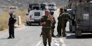 الاحتلال يعتقل اللواء النتشة ومساعده على حاجز قلنديا