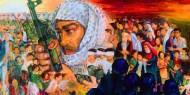 لاجئ فلسطيني يجسد قضية الوطن بلوحات تشكيلية