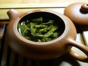 الشاي الأخضر لتكثيف الشعر