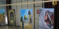 """خاص بالفيديو   """"جراحنا ملونة"""".. معرض فني يفضح جرائم الاحتلال ويكشف معاناة الأسرى"""